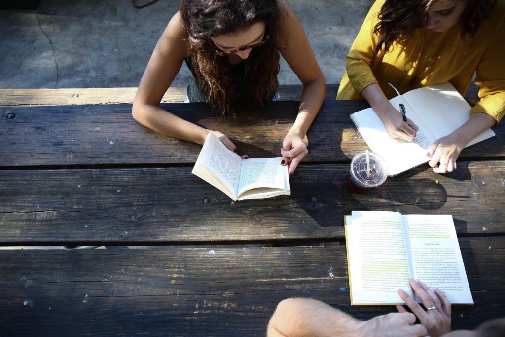 日々の英語勉強の基本は「単語の暗記と音読」